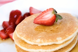 pancakes_strawberries_desktop_1697x1131_wallpaper-426092